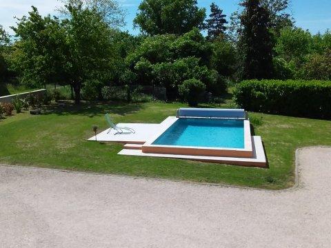 Paysagiste pour création de piscine creusée dans l'Ain