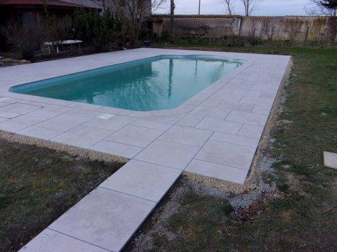 Tour de piscine en grès Céram
