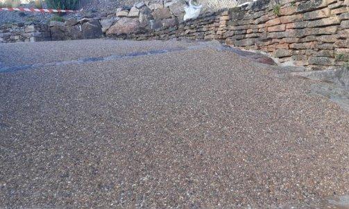 Paysagiste pour aménagement d'accès en béton désactivé dans l'Ain